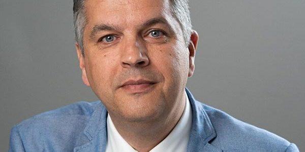 Dr Ronald van Heerwaarden